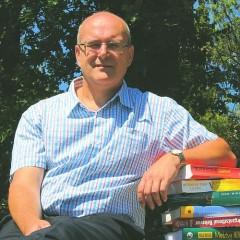 Héder Sándor címzetes egyetemi docens, Forlong Bt. vezető tanácsadó